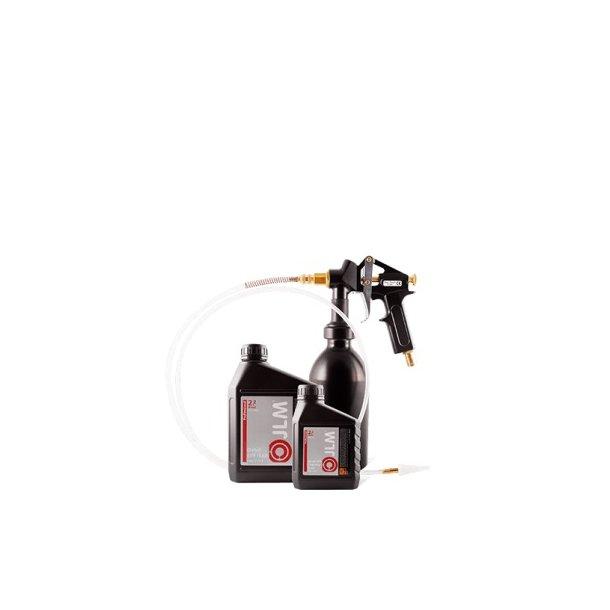 Fastgør sikkerhedskanylen til sprøjte B ved at holde i sprøjten og.